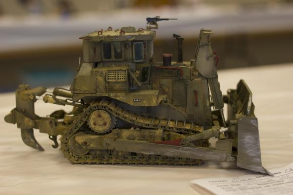 1.35-caterpillar-D9R-armored-bulldozer