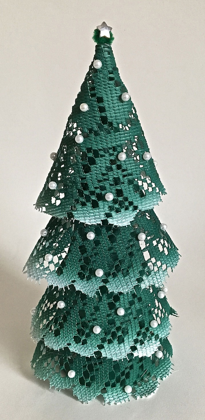 Lighted Doily Christmas Tree