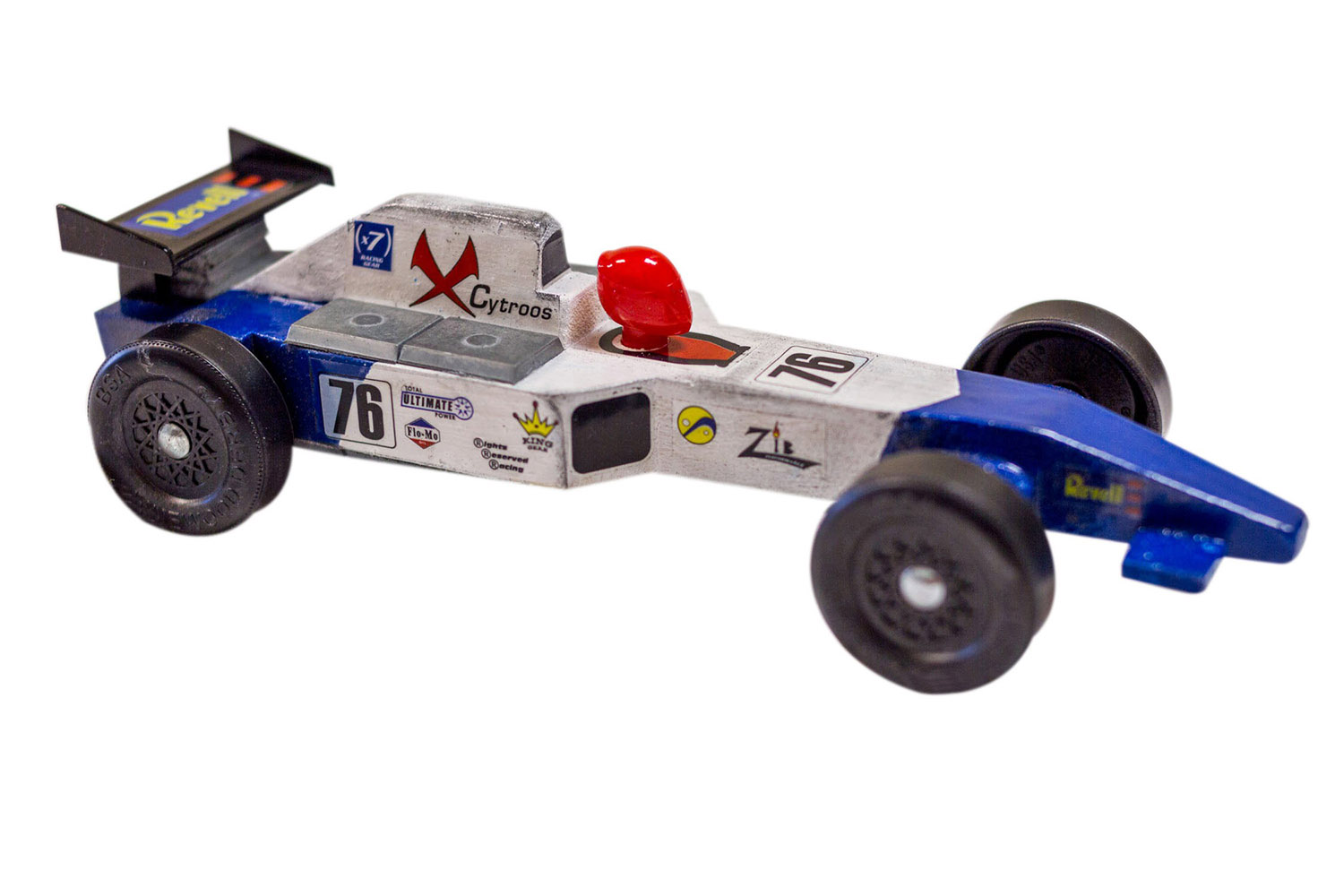 Paint a pinewood derby car with testors for Pinewood derby car image